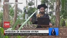 VIDEO: Mahasiswa Ikuti Wisuda  Online di Makam Ayah