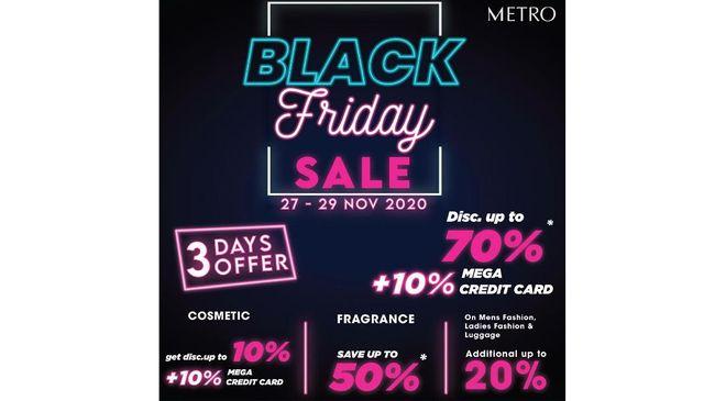 Mulai dari pakaian, kosmetik, parfum, tas, hingga perlengkapan rumah tangga dapat diskon 70 persen, ditambah 10 persen bagi pengguna kartu kredit Bank Mega.