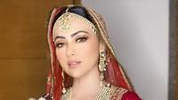 <p>Beberapa lama setelah kabar pernikahannya beredar, Sana Khan mengunggah foto resepsi nih. (Foto: Instagram @sanakhaan21)</p>