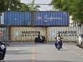 FOTO: Barikade Peti Kemas Untuk Halangi Pendemo Thailand