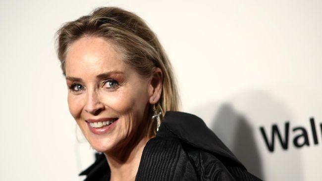 Salah satu aktris senior Sharon Stone mengaku merasakan sensasi keintiman spesial ketika menjalani kencan online.