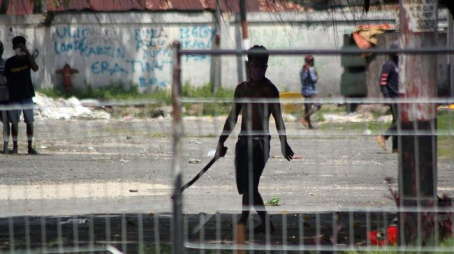 Polisi mengklaim telah mengantongi kesaksian kelompok kriminal bersenjata (KKB) yang diduga memerkosa gadis-gadis di Papua. OPM menyebut itu bahasa TNI-Polri.