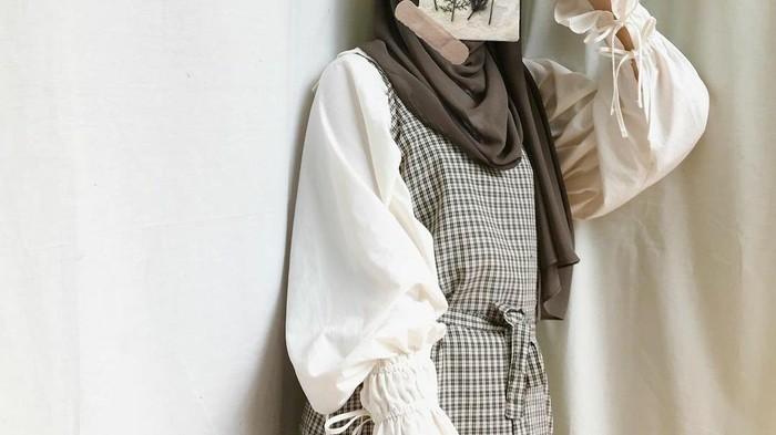 5 Item Wajib Punya untuk Gaya Hijab Vintage Kekinian