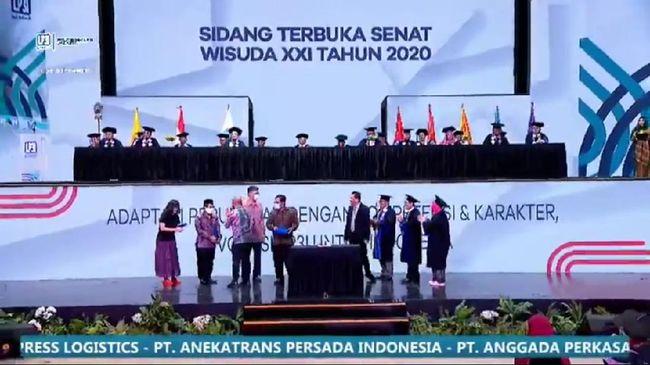 Politeknik LP3I Jakarta melaksanakan kegiatan wisuda dengan konsep Blended Graduation di Trans Studio Cibubur.