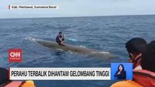 VIDEO: Perahu Terbalik Dihantam Gelombang Tinggi