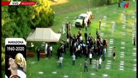 VIDEO: Pemakaman Maradona Diwarnai Bentrokan