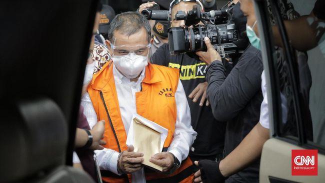 Wali Kota Cimahi nonaktif Ajay Muhammad Priatna disebut dimintai uang Rp1 miliar sebelum terkena OTT KPK.