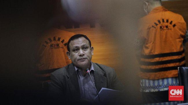 Pegawai KPK mengungkap ambisi Ketua KPK Firli Bahuri memasukkan TWK sebagai syarat alih status ASN dalam laporan terhadap dewas.