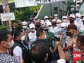 Polisi Datangi Rumah Rizieq Shihab di Petamburan