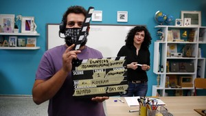 FOTO: Di Balik Pembuatan Video Sekolah Online di Yunani