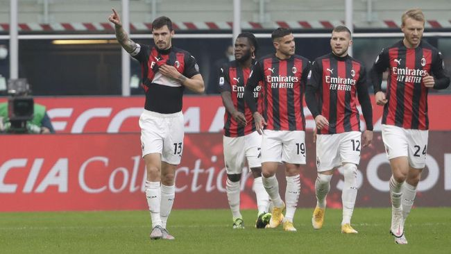AC Milan bisa memastikan diri lolos ke babak 32 besar Liga Europa dalam duel lawan Glasgow Celtic di San Siro, Jumat (4/12) dini hari.