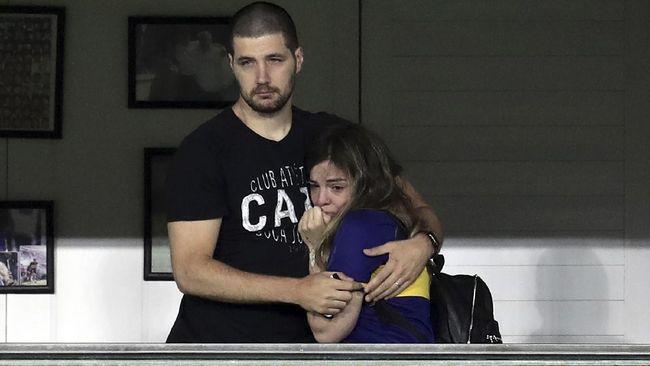 Tangis putri Diego Armando Maradona, Dalma, pecah seketika di pertengahan laga Boca Juniors vs Newell's Old Boys.