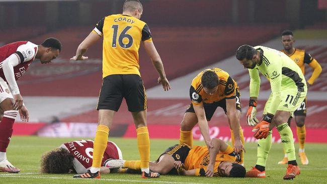 Bintang Wolverhampton Wanderers, Raul Jimenez dalam kondisi stabil setelah menjalani operasi pada tengkorak kepala yang retak.