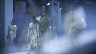 FOTO: Hijaukan Bumi Lewat Sustainable Fashion 3 Desainer DFK
