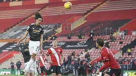 FOTO: Cavani Buat Man Utd Menang Dramatis