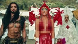 Lelang Kostum Unik Lady Gaga Dibanderol Mulai Rp376 Juta