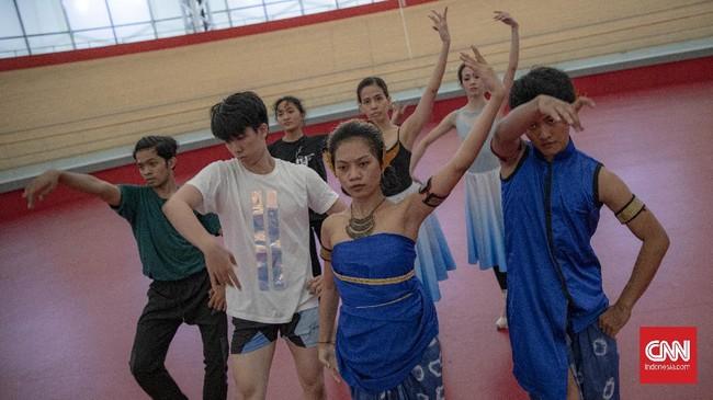 Sejumlah penari dari berbagai negara bergabung menyiapkan pertunjukan bertajuk HOPE demi berdonasi untuk para seniman yang terdampak pandemi.