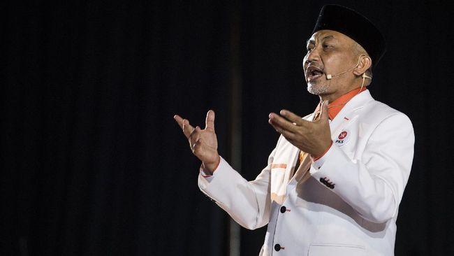 PKS mengklaim sikap oposisi partainya adalah bukan lantaran ingin beda, tapi hendak jadi kekuatan penyeimbang.