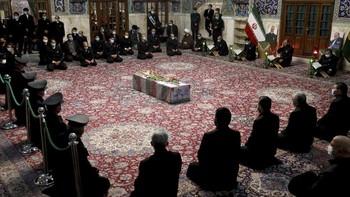 Ratusan Pejabat Hadiri Pemakaman Jenazah Ilmuwan Nuklir Iran