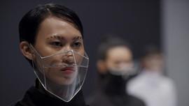 25 Tahun Berkarya, Rinaldy Yunardi Pamerkan Masker Futuristik