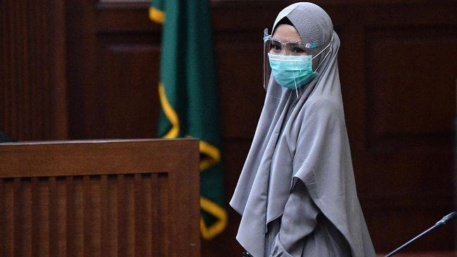 Ahli pidana Abdul Fickar Hadjar menilai hukuman jaksa Pinangki seharusnya diperberat lantaran berprofesi sebagai aparat penegak hukum.