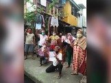 Risma Surati Warga Surabaya Ajak Pilih Nomor Satu