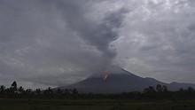 Satu Orang Hilang Saat Proses Evakuasi Gunung Semeru Meletus
