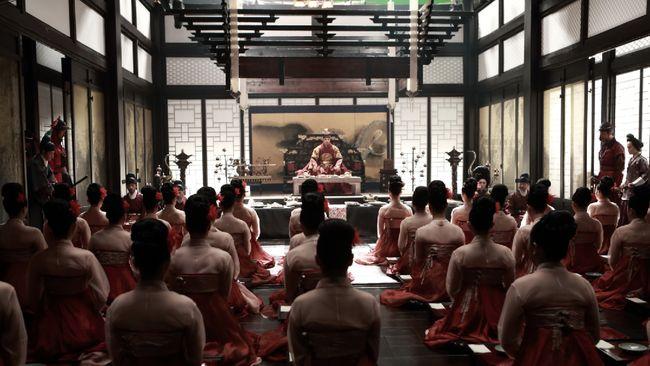 The Treacherous merupakan salah satu yang dianggap sebagai film dewasa asal Korea Selatan dengan latar belakang kerajaan.