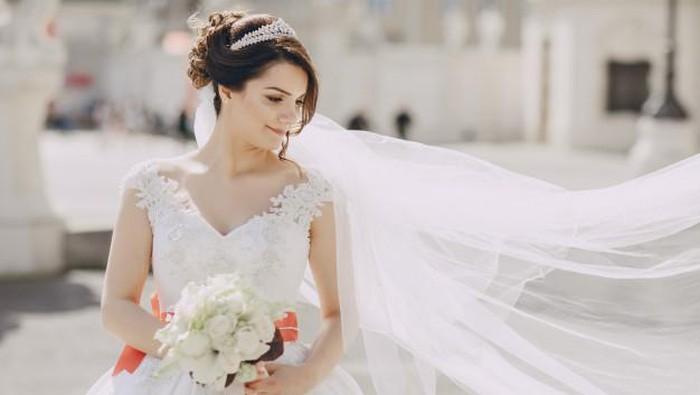 Ingin Tampil Natural di Hari Pernikahan? Intip Inspirasi Makeup Natural Ini!