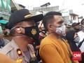 Dikawal Brimob, Polisi Tembus Rumah Rizieq Antarkan Surat