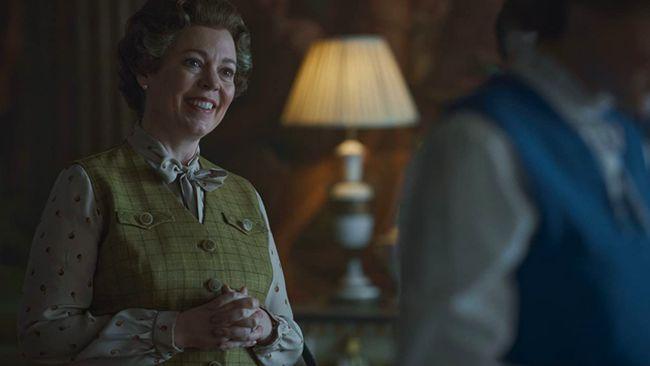Tahun ini, serial The Crown kembali memenangkan piala Golden Globe sebagai serial drama terbaik untuk kedua kalinya.