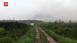 VIDEO: Hujan Abu Vulkanik, Warga Diimbau Gunakan Masker