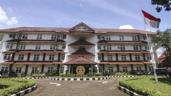Dirjen Dikti menyatakan pemerintah akan mengakomodasi usulan-usulan dari elemen kampus UI terkait polemik statuta yang baru seumur jagung diteken presiden.