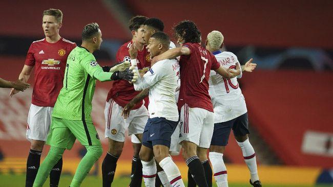 Manchester United bermain imbang 1-1 dengan Paris Saint-Germain di babak pertama Liga Champions, Kamis (3/12) dini hari WIB.