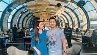 <p>Delta Hesti merupakan istri dari Tom Liwafa yang sering dijuluki sebagai Crazy Rich Surbaya. (Foto: Instagram @deltahesti)</p>