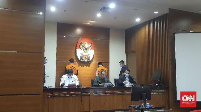 Vonis pidana penjara 2 tahun terhadap Leonardo Jusminarta Prasetyo atas dugaan suap ke mantan anggota BPK ini sesuai dengan tuntutan Jaksa Penuntut Umum KPK.