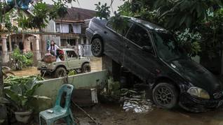 BNPB Sebut Banjir Medan Mulai Surut, Tinggi Air 30-60 Cm