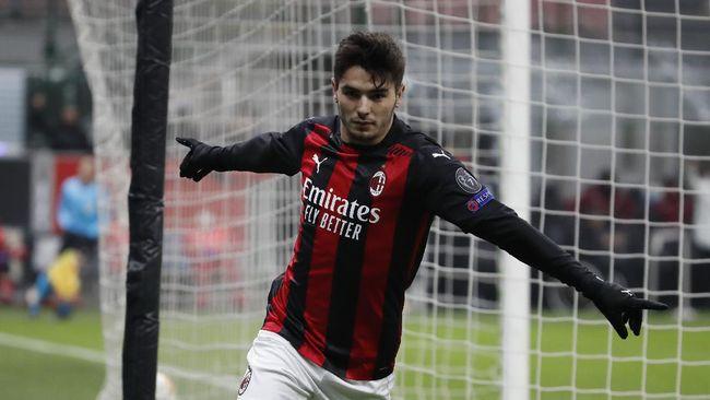AC Milan mencetak tiga gol dalam sembilan menit saat mengalahkan tim Serie C Modena dengan skor 5-0 pada pertandingan uji coba, Sabtu (24/7).