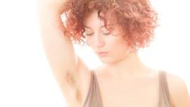 4 Alasan Tak Perlu Cukur Bulu Ketiak