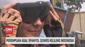 VIDEO: Perempuan Asal Spanyol Gowes Keliling Indonesia