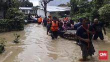 Medan Terendam Banjir, Warga Ramai-ramai Minta Evakuasi