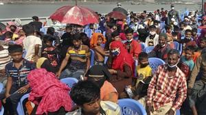 FOTO: Pengungsi Rohingya Ditempatkan di Pulau Terpencil