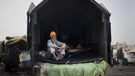 FOTO: Petani India Kepung Ibu Kota Tuntut UU Pertanian Baru