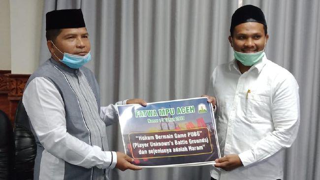 Wakil Ketua MPU Aceh Tgk Faisal Ali mengatakan stiker PBG haram disebar karena masih banyak masyarakat yang memainkannya di kafe-kafe.