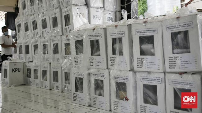 Posko pemenangan salah satu calon wali kota dan wakil wali kota Surabaya diserang sejumlah orang tak dikenal. Tak ada korban jiwa dalam insiden tersebut.