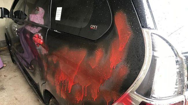 Ketua PA 212 Slamet Maarif mengaku mendapat teror setelah mobilnya dirusak orang tak dikenal pada Minggu (6/12) dini hari.