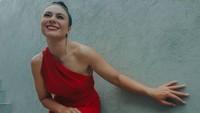 <p>Sri Wulandari Lorraine Joko Guritno, atau lebih kita kenal sebagai Wulan Guritno, merupakan seorang aktris sekaligus model berdarah campuran Jawa dan Inggris, Bunda. (Foto: Instagram: @wulanguritno)</p>