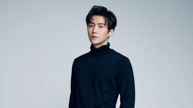 Kim Seon-ho akan jadi kameo dalam drama Run On karena kedekatannya dengan sang sutradara, Lee Jae-hoon.