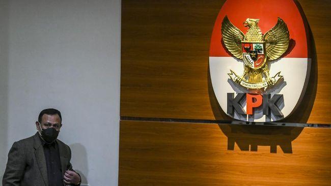 KPK menetapkan penyidiknya, Steppanus Robin Pattuju dan Wali Kota Tanjungbalai, M. Syahrial sebagai tersangka suap.