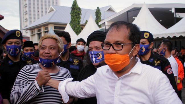 Wali Kota Makassar memangkas anggaran senang-senang pegawai Pemkot sebesar Rp670 miliar karena dianggap sebagai pemborosan di masa pandemi.